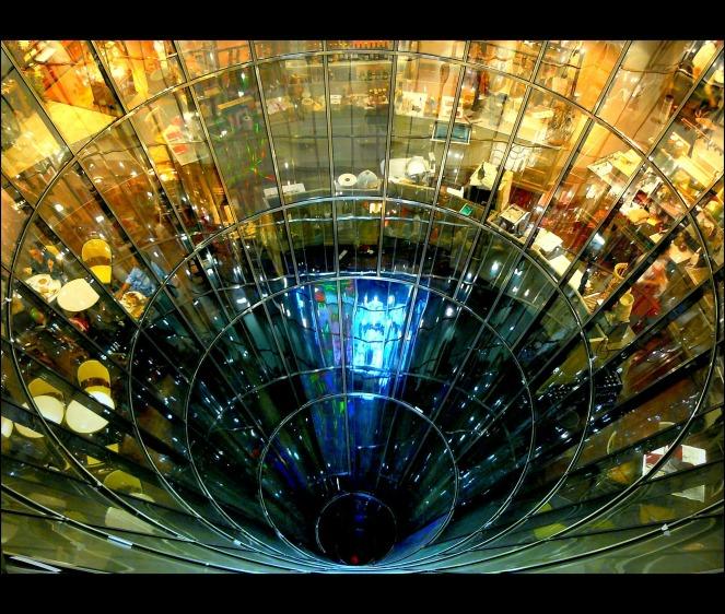 glass-271151_1920.jpg