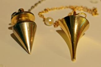 pendulum-235127_1920.jpg